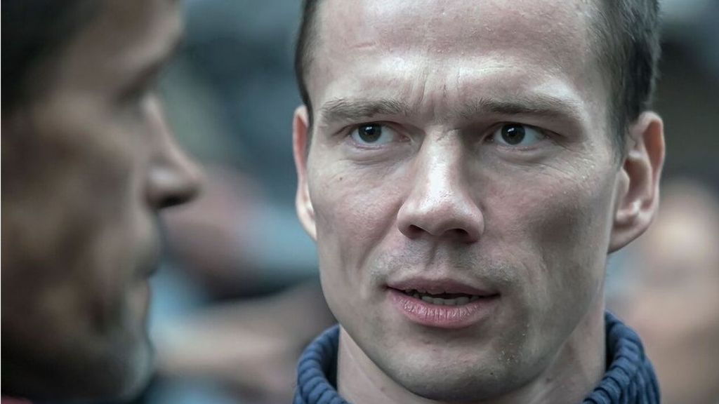 Russia court questions jailing of peaceful activist Ildar Dadin – BBC News
