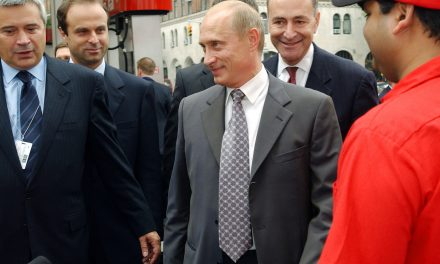 Trump, reaching back over Russia contacts, accuses Schumer of Putin ties – Chicago Tribune
