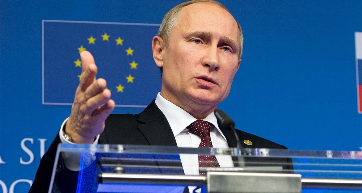 Putin is a larger hazard to Europe's presence compared to Isis|George Soros