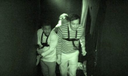 Jimmy Fallon as well as Kevin Harts Terrifying, Shriek-FilledHaunted House Adventure