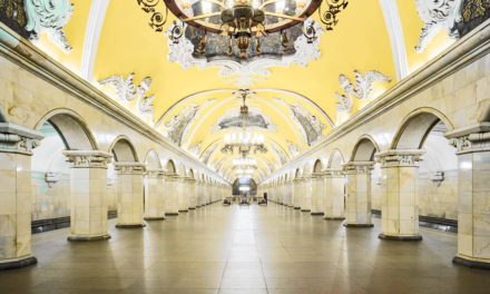 The Eerie Similarity Between Russia's Palaces as well as Metro Stations
