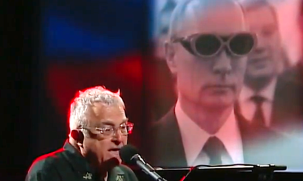 Randy Newman Sings Mocking 'Tribute' To Putin On The 'LateShow'