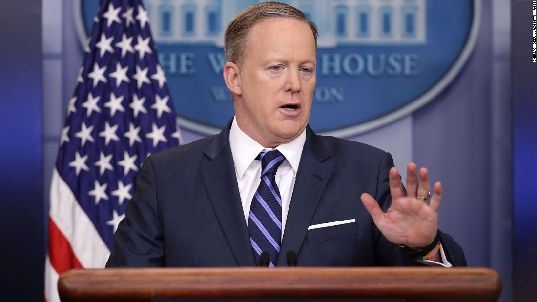 Spicer excuses Hitler contrast: 'Itwas a blunder to do that'