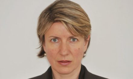 Ex- BBC press reporter Liz MacKean passes away after stroke – BBC News
