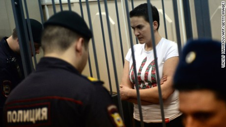 Ukrainian pilot Nadiya Savchenko absolved and also launched by Russia