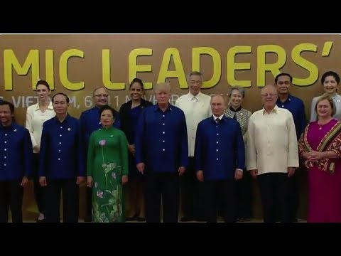 President Trump Meets Putin at APEC 2017 Summit 11/10/17