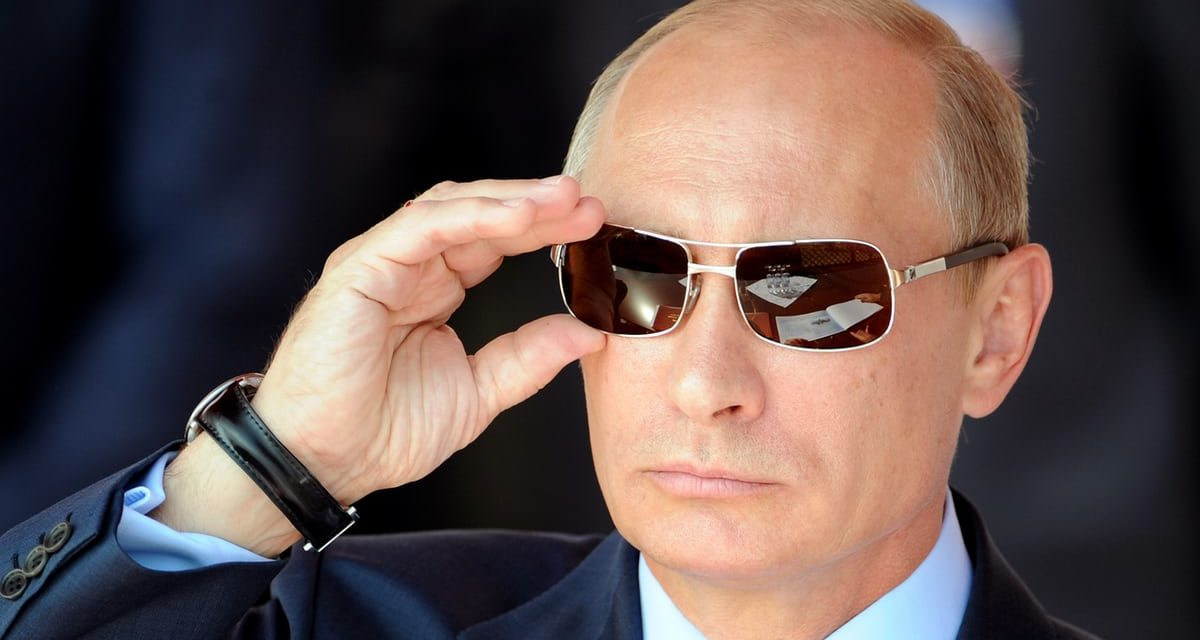 Kill it, rotate it– Putin will certainly do anything to suppress the Panama Papers tale|Natalie Nougayr ède