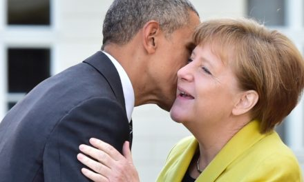 Obama to sign up with Merkel at Germany's Brandenburg Gate