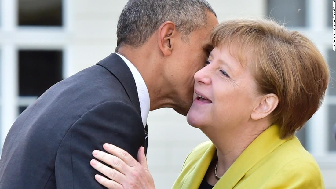 Obama to sign up with Merkel at Germany's Brandenburg Gate