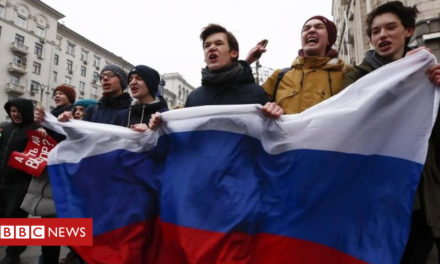 Russian governmental vote: Navalny restrained on day of demonstrations – BBC News