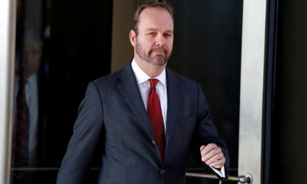 Sources: Ex-Trump Staffer Rick Gates as far as Drop His Lawyer adit Russia Probe