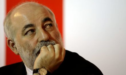 The Oligarch Who Met With Michael Cohen Flees the Press at Putins Big Economic Summit