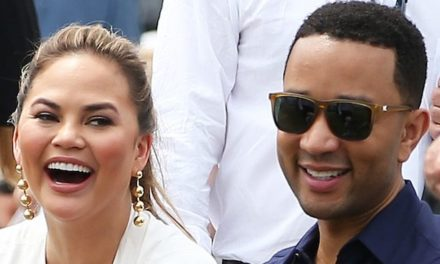 Chrissy Teigen's Reaction To John Legend Tweeting But Not Texting Back Is Literally All Of Us