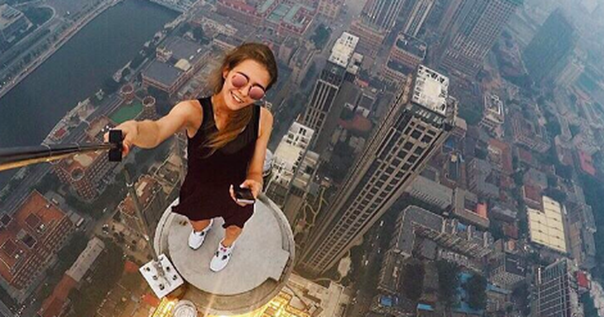 Woman's death-defying selfies alternativity assemble you assert 'nope'