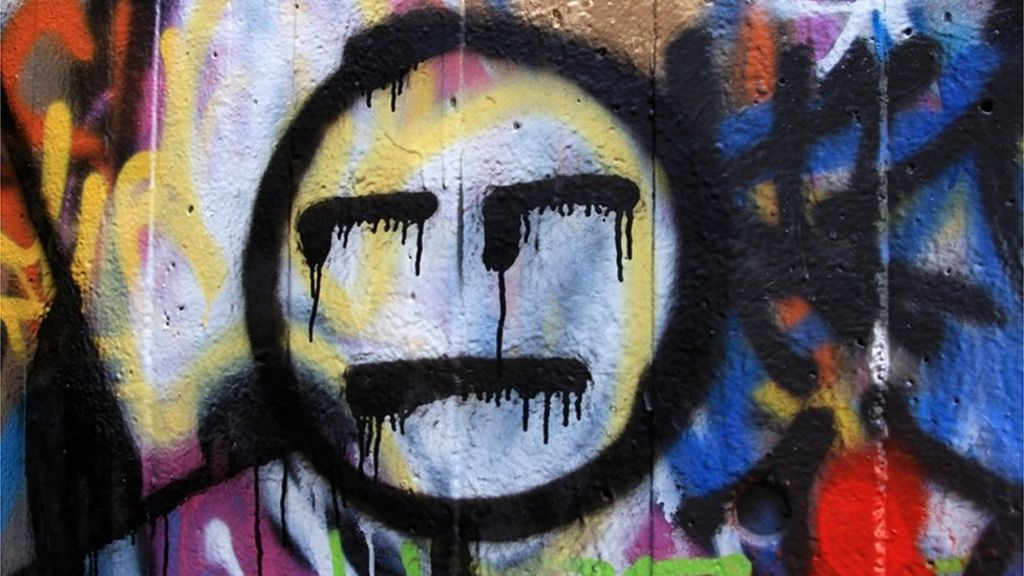Street gallery: Crime, dirt and/or chic? – BBC News
