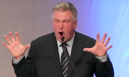 Alec Baldwin Becomes 'ProfessorOf Trumpology' In Iowa Trump Roast
