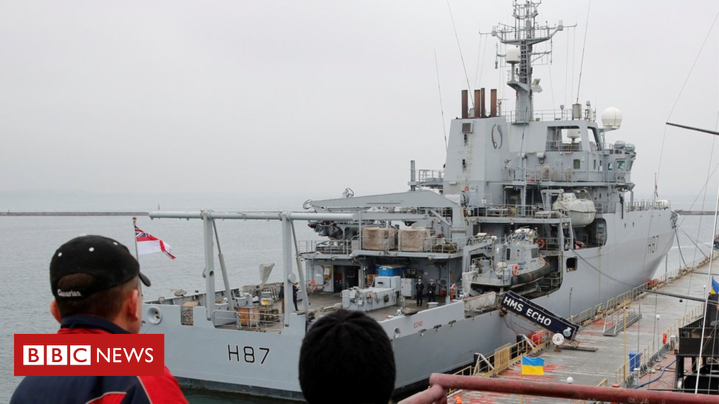 UK battleship in Ukraine 'sends out message to Russia'