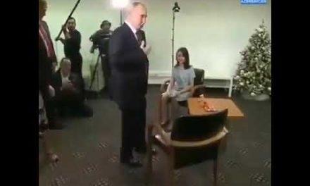 Putin gorme qusurlu qizin arzusunu yerine yetirdi