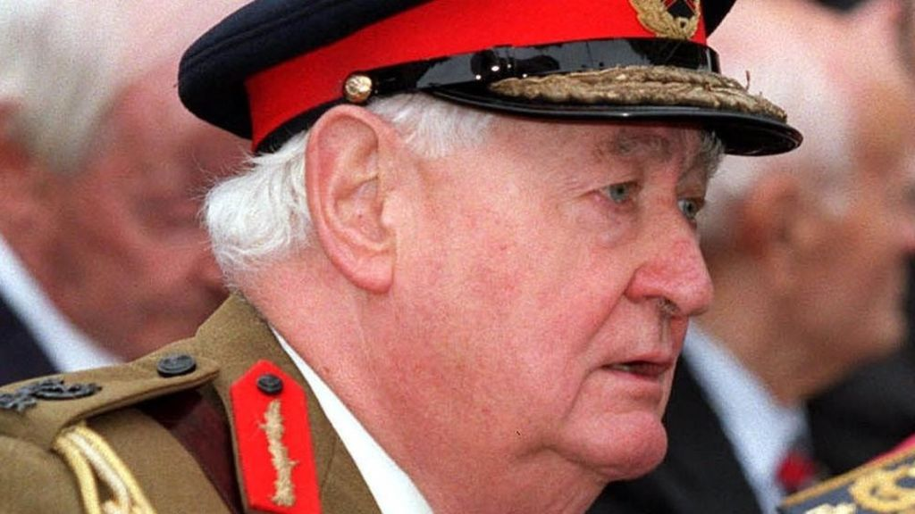 UK 'more secure in EU', ex-defence principals claim – BBC News