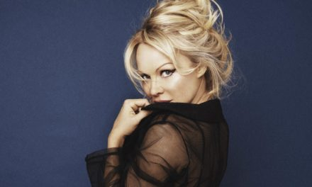 Pamela Anderson Defends Assange bare Putin: Everything Is So Anti-Russia