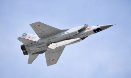 United States not able to resist Russian and also Chinese hypersonic tools, record alerts