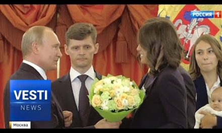 Toddlers Receive Awards in Kremlin! Top Tots Are Recognized For Their Outstanding Service!