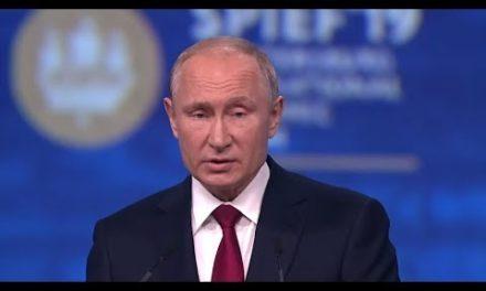 WIRTSCHAFTSKRIEG: Putin kritisiert United States-Politikscharf und kuschelt mit China