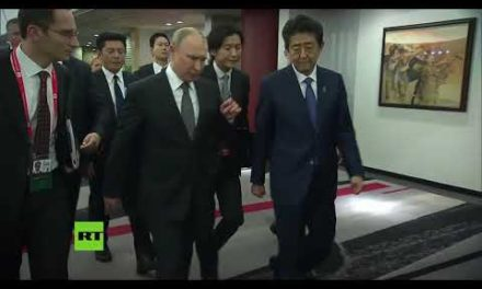 Putin y Shinzo Abe se reúnen para dialogar sobre el acuerdo de paz