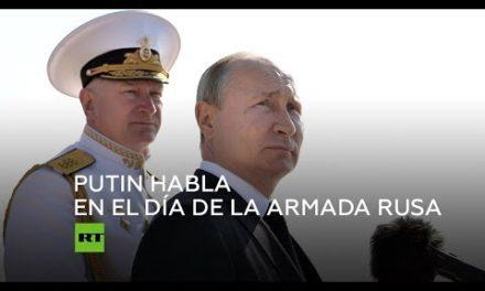 Putin habla a los marinos en el Día de la Armada