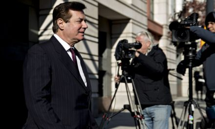 Mueller Urges Judge to Toss Manafort Suit Over Laundering Case