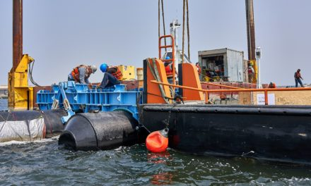 A 600 -Meter-LongPlastic Catcher Heads to Sea, yet Scientists Are Skeptical